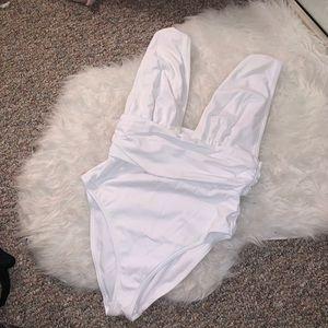 👙👙 ASOS one piece white swimsuit 👙👙